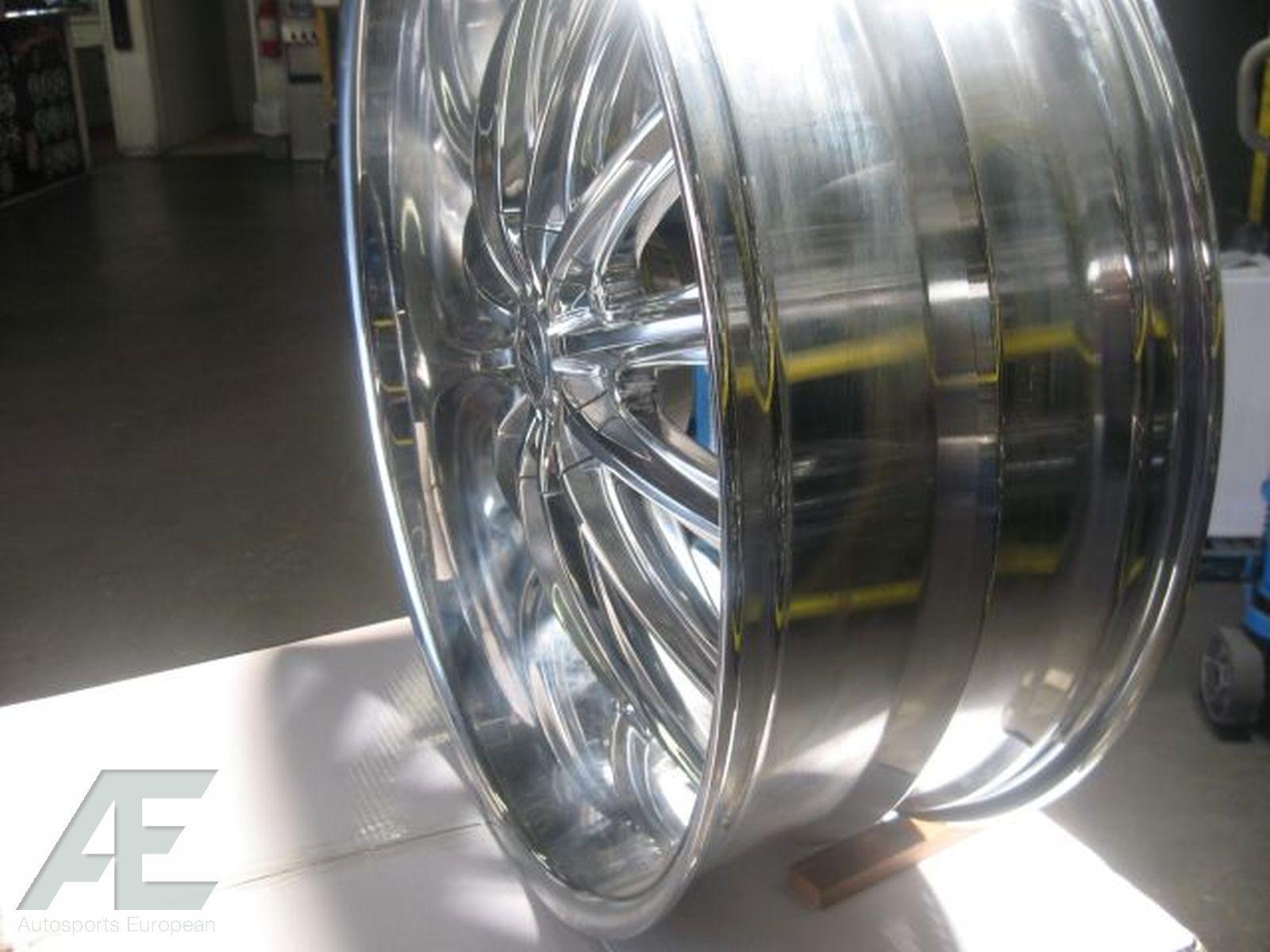 24 Chrome Wheels Rims Escalade Tahoe Avalanche Denali 22